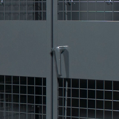 3 point locking handle