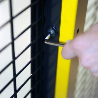 RapidGuard machine guarding lock bolt