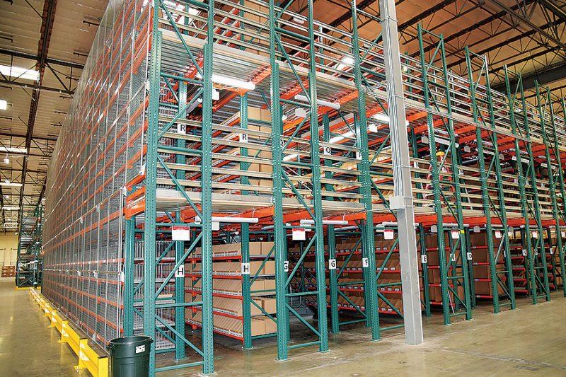 Pallet Rack Catwalk For Auto Parts Distribution Center