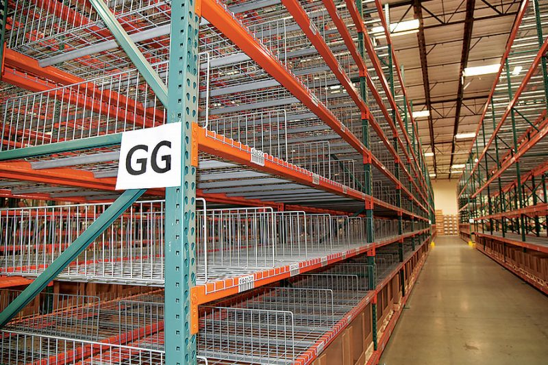 Pallet Rack With Wire Dividers