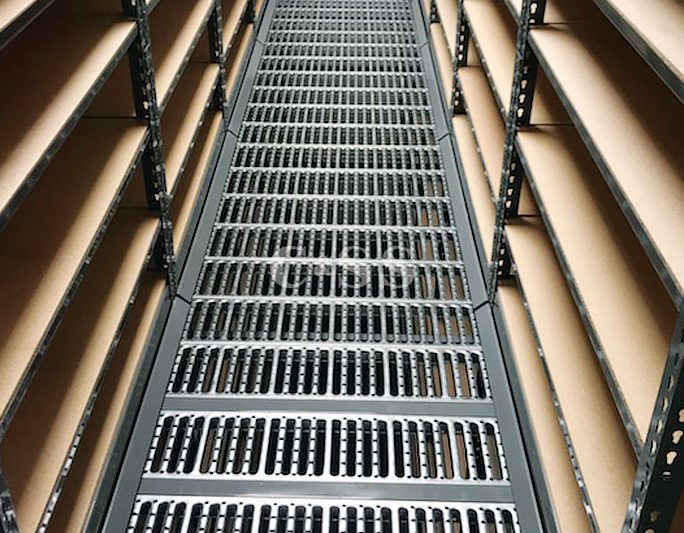 Protect Employees With Catwalk Pallet Rack Storage System