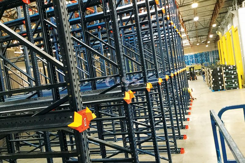 Protected Warehouse Produce with Drive In Pallet Racking System