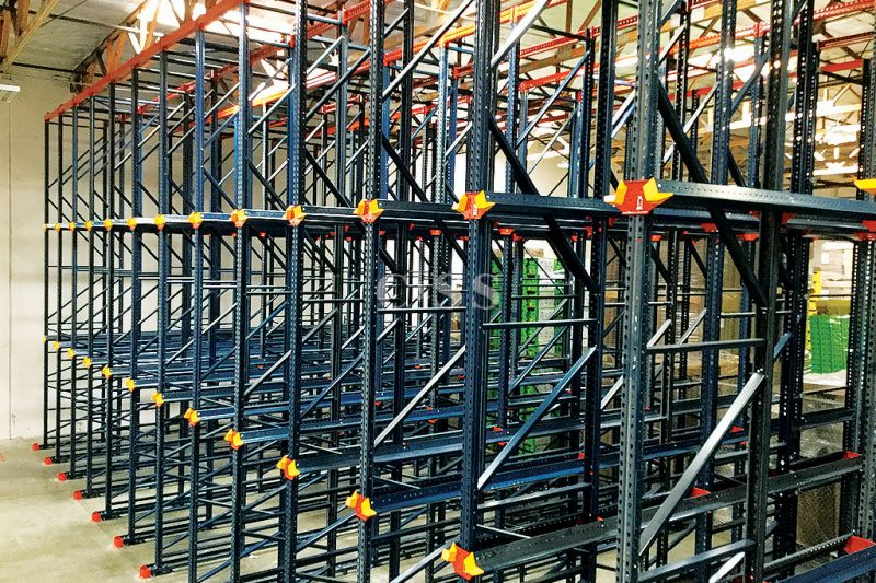 Secured Warehouse Produce with Drive In Pallet Racking System